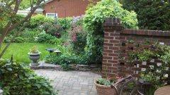 GardenLiving3.jpg